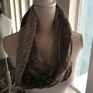 Set of 2 scarves!
